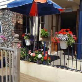Belle Vue Tavern Pegwell Bay in Bloom 1