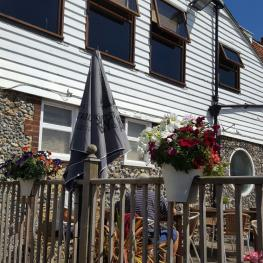 Belle Vue Tavern Pegwell Bay in Bloom 2